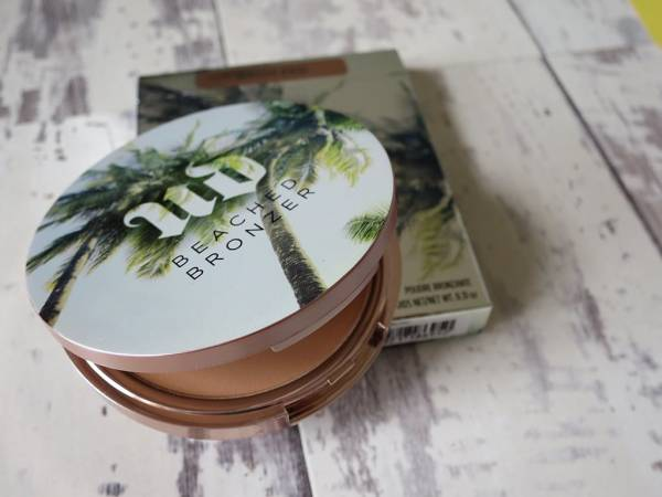 Skin bronzing powder made by urban decay sold by barchin